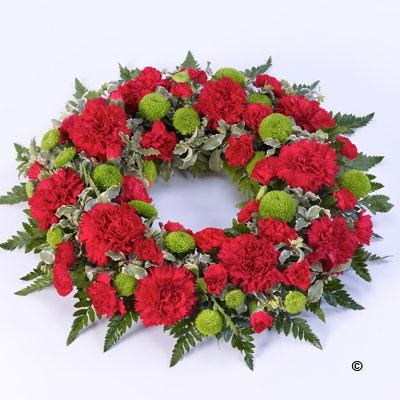 Classic Wreath   Red and Green